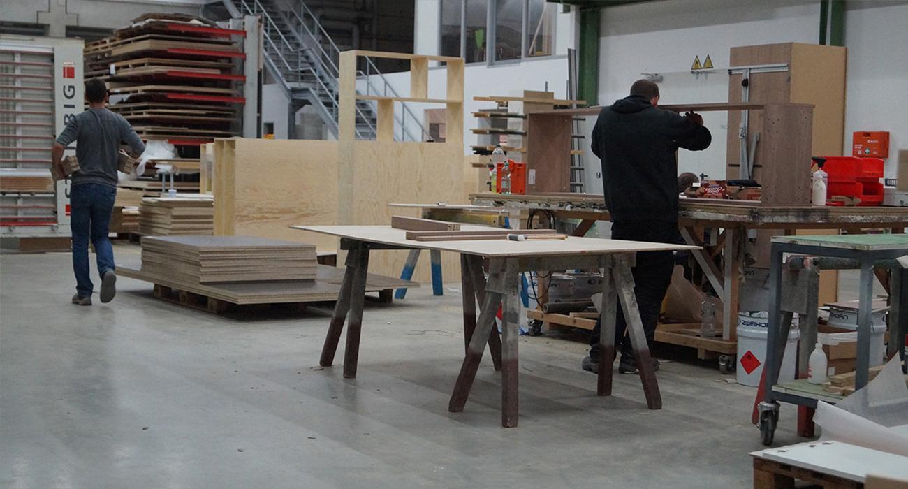 Delafair Innenausbau Potsdam: Arbeiten in der Werkstatt für Innenausbau